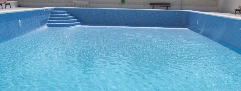 Piscina parla agua salada simple la imagen puede contener for Piscina agua salada madrid