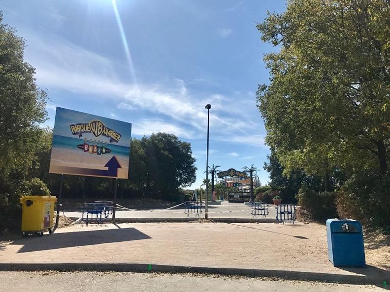 accesos parque warner