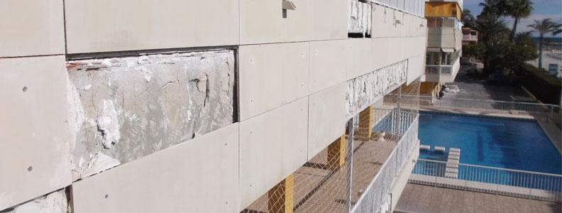 Anclaje de aplacados en fachada